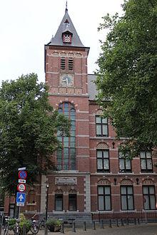 http://www.google.nl/url?sa=i&rct=j&q=&esrc=s&source=images&cd=&cad=rja&uact=8&docid=vRlnb-O_U8trAM&tbnid=z122C1guJPsEgM:&ved=0CAUQjRw&url=http%3A%2F%2Fnl.wikipedia.org%2Fwiki%2FOoglijdersgasthuis_(Utrecht)&ei=F1r8U6TRNNOa0QWo34CoAQ&bvm=bv.73612305,d.bGQ&psig=AFQjCNHQ6OJiRNDZfi1pTyfgHN70vNRHRQ&ust=1409133456972865